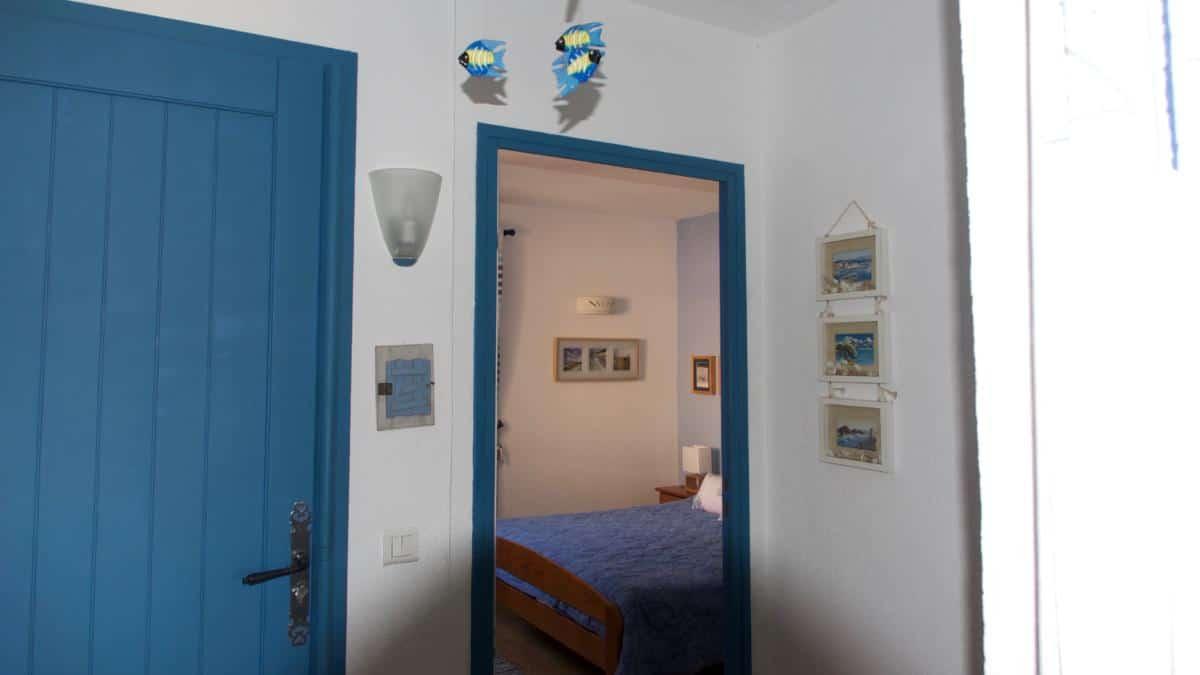 La chambre depuis le hall