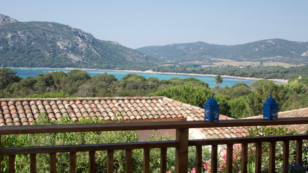La terrasse et une belle vue mer